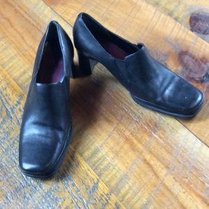 Aerosoles black leather business heels Size 9 EUC